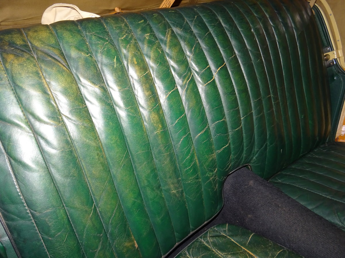 1947 MG TC Sequoia Cream with Green leather interior For Sale (picture 15 of 24)