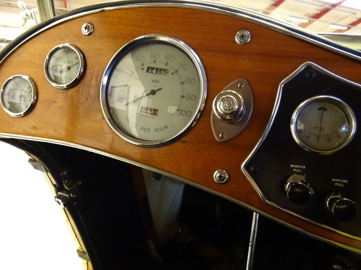1947 MG TC Sequoia Cream with Green leather interior For Sale (picture 16 of 24)