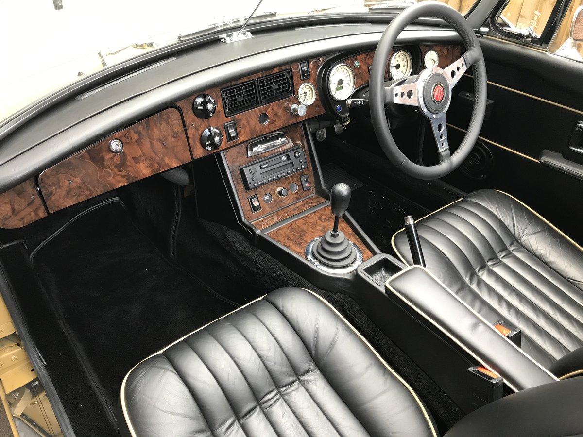 1972 MGB Roadster 3.5 V8 rebuilt on new bodyshell For Sale (picture 3 of 6)