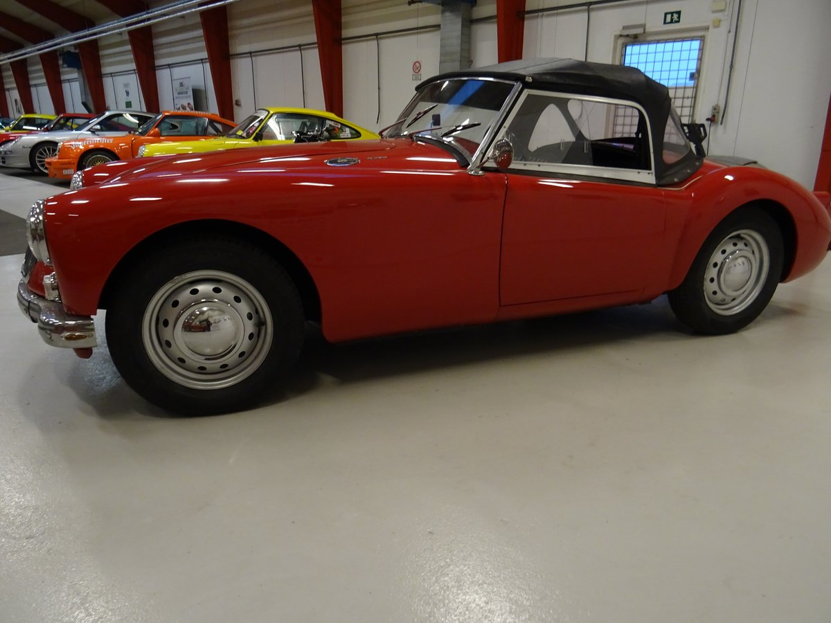 1960 MG MGA 1600 Roadster – fully restored For Sale (picture 2 of 24)
