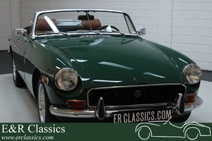 MG B Cabriolet 1972 New paint For Sale