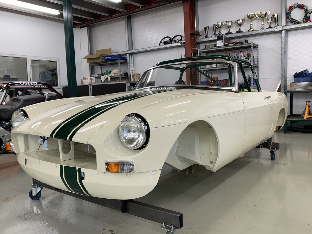 1964 MGB Roadster built to FIA spec  For Sale (picture 2 of 6)
