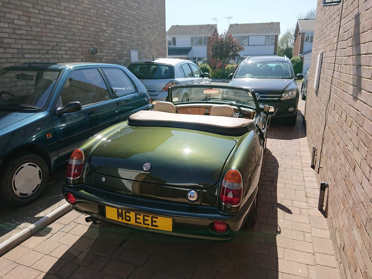 1994 Superb example of an MG RV8 For Sale (picture 2 of 5)