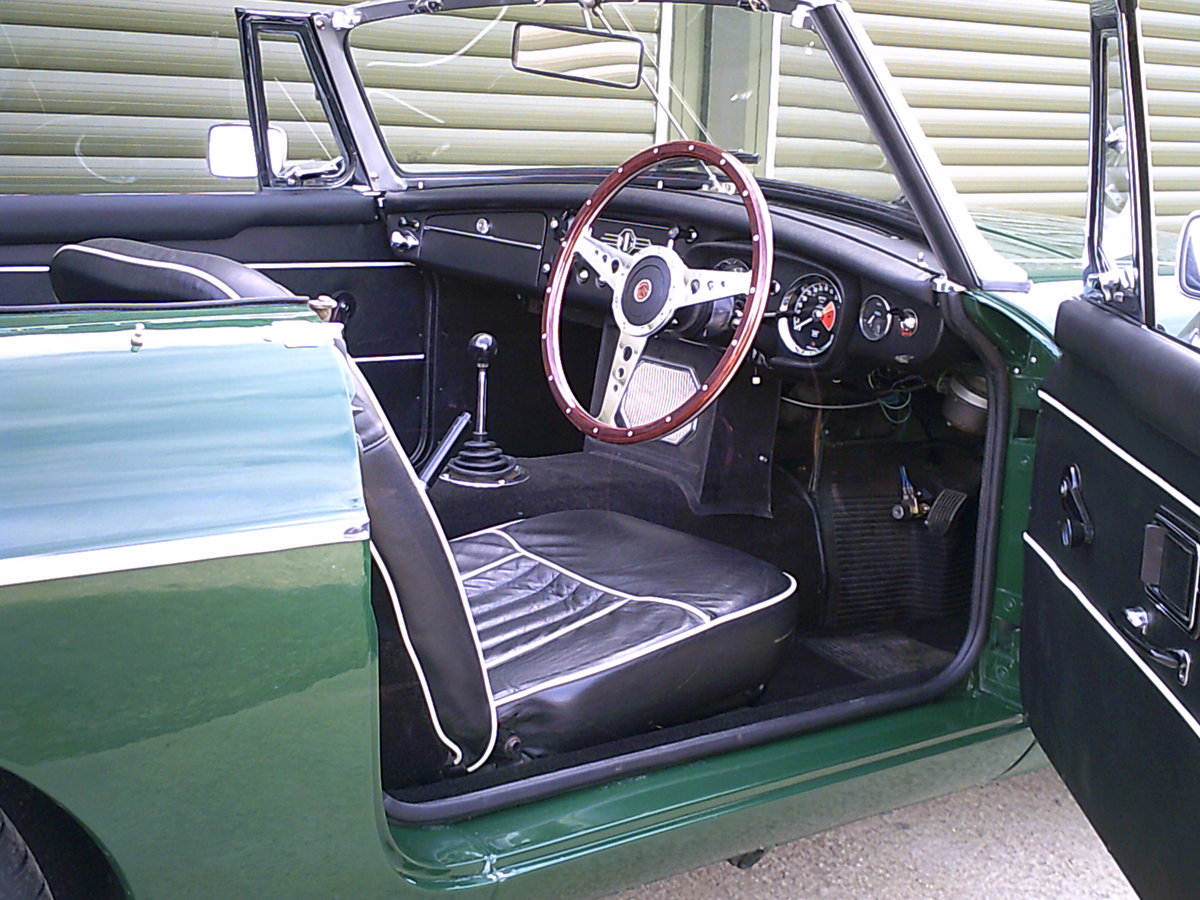 1968 MGC Roadster. Recent restoration.  SOLD (picture 4 of 6)