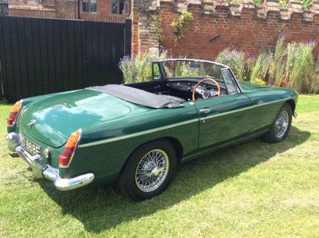 1966 Stunning Mk1 MGB Roadster Low Mileage For Sale (picture 1 of 5)