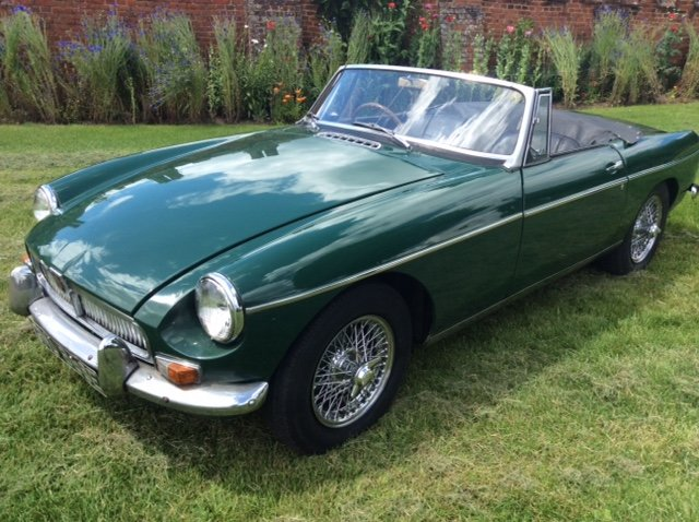 1966 Stunning Mk1 MGB Roadster Low Mileage For Sale (picture 3 of 5)