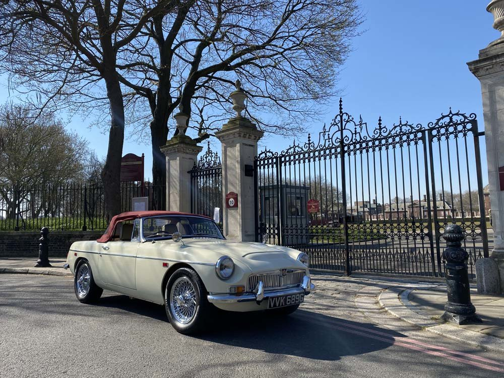1969 MG C - Completely restored & 204 miles only since For Sale (picture 1 of 24)
