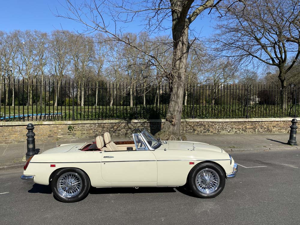 1969 MG C - Completely restored & 204 miles only since For Sale (picture 3 of 24)