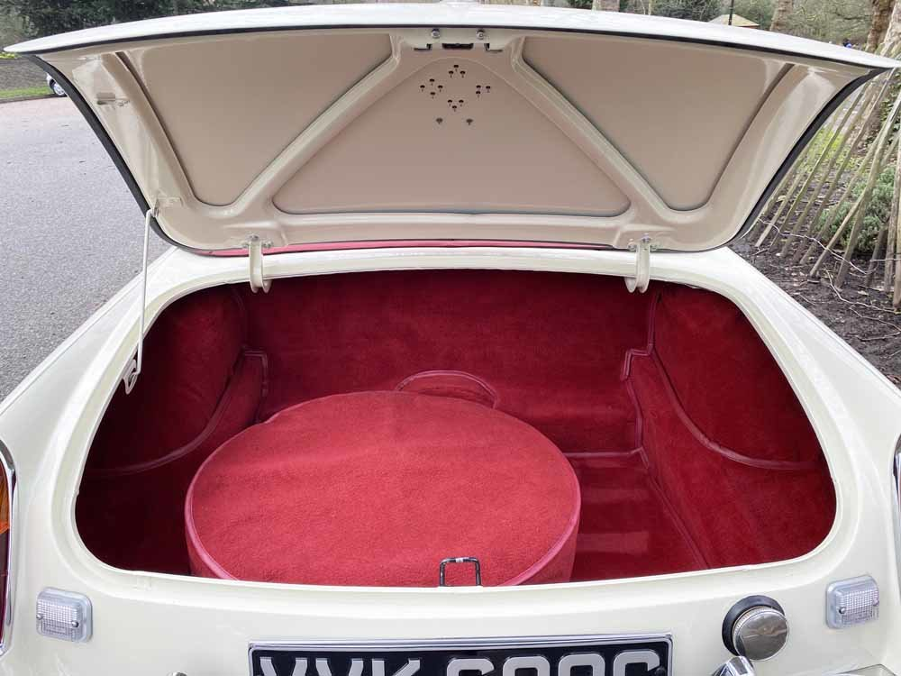 1969 MG C - Completely restored & 204 miles only since For Sale (picture 15 of 24)