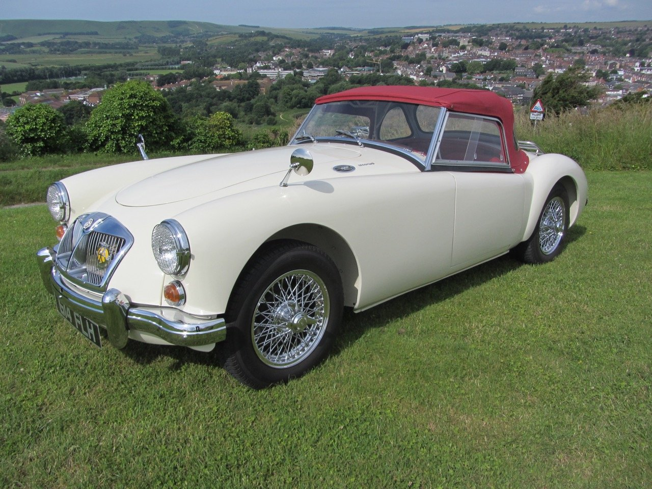 1961 MGA 1600 Mk2 Roadster SOLD (picture 1 of 6)