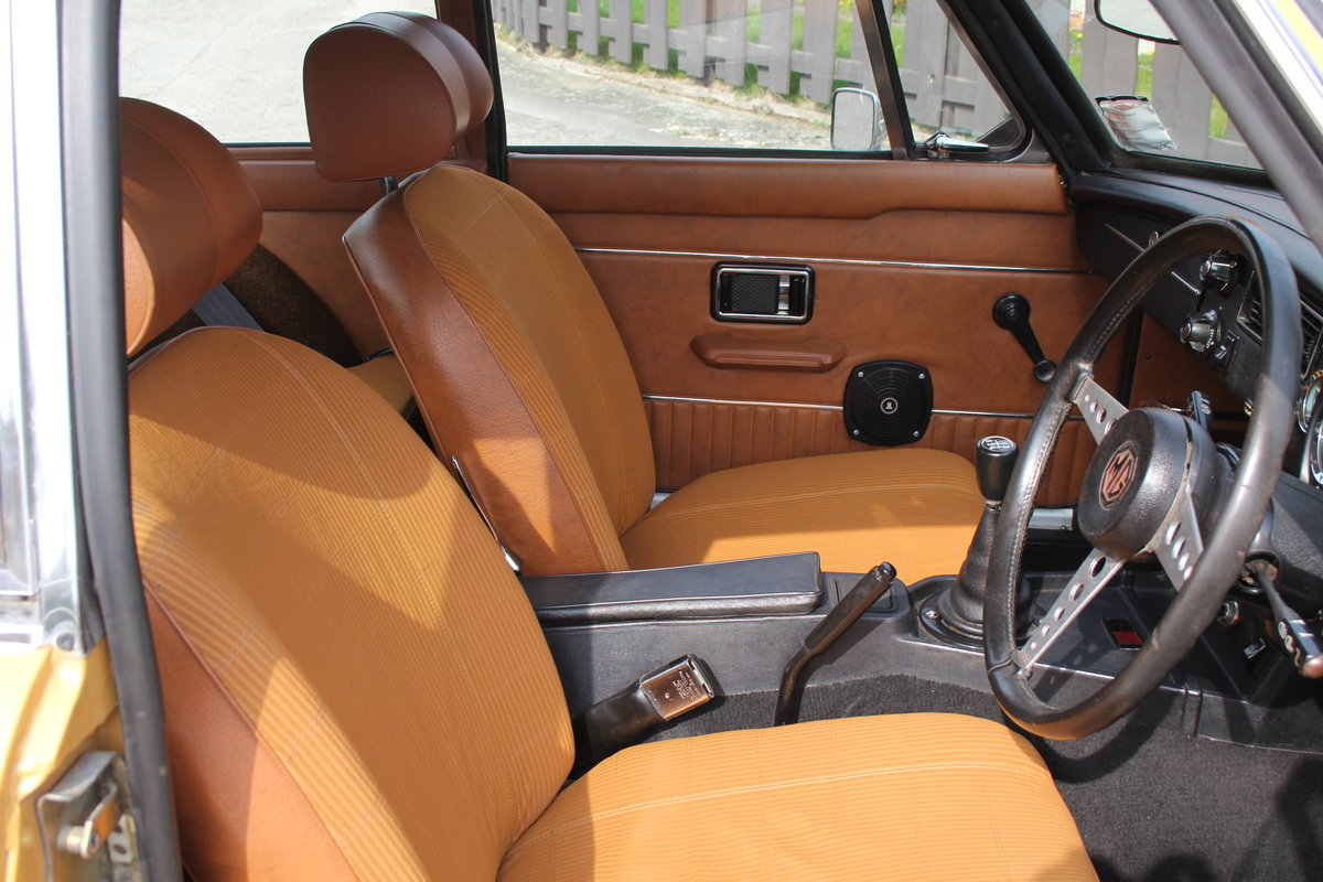 1976 MGB GT V8, Timewarp condition, 72k Original Miles For Sale (picture 8 of 16)