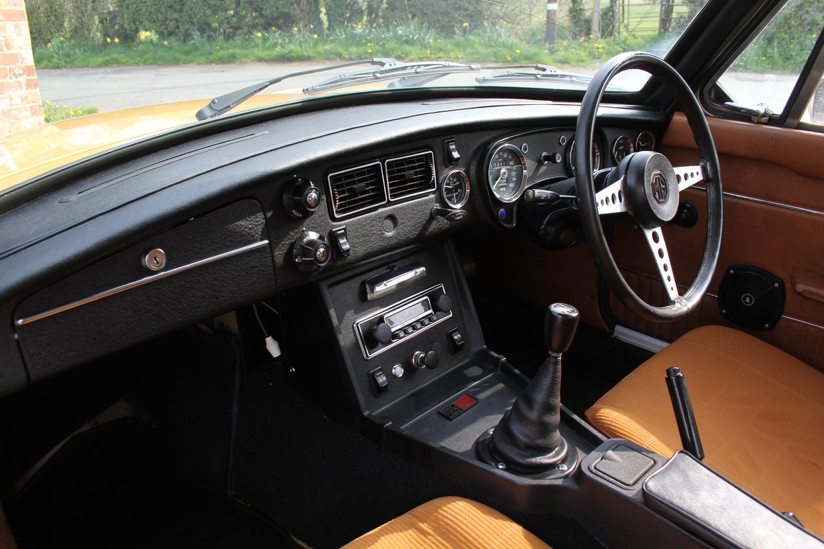 1976 MGB GT V8, Timewarp condition, 72k Original Miles For Sale (picture 10 of 16)