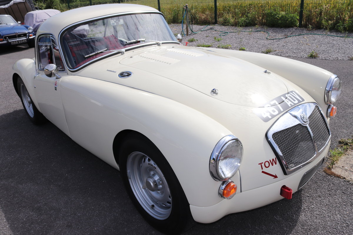 1960 MGA Twin Cam Coupe, huge specification. For Sale (picture 1 of 6)