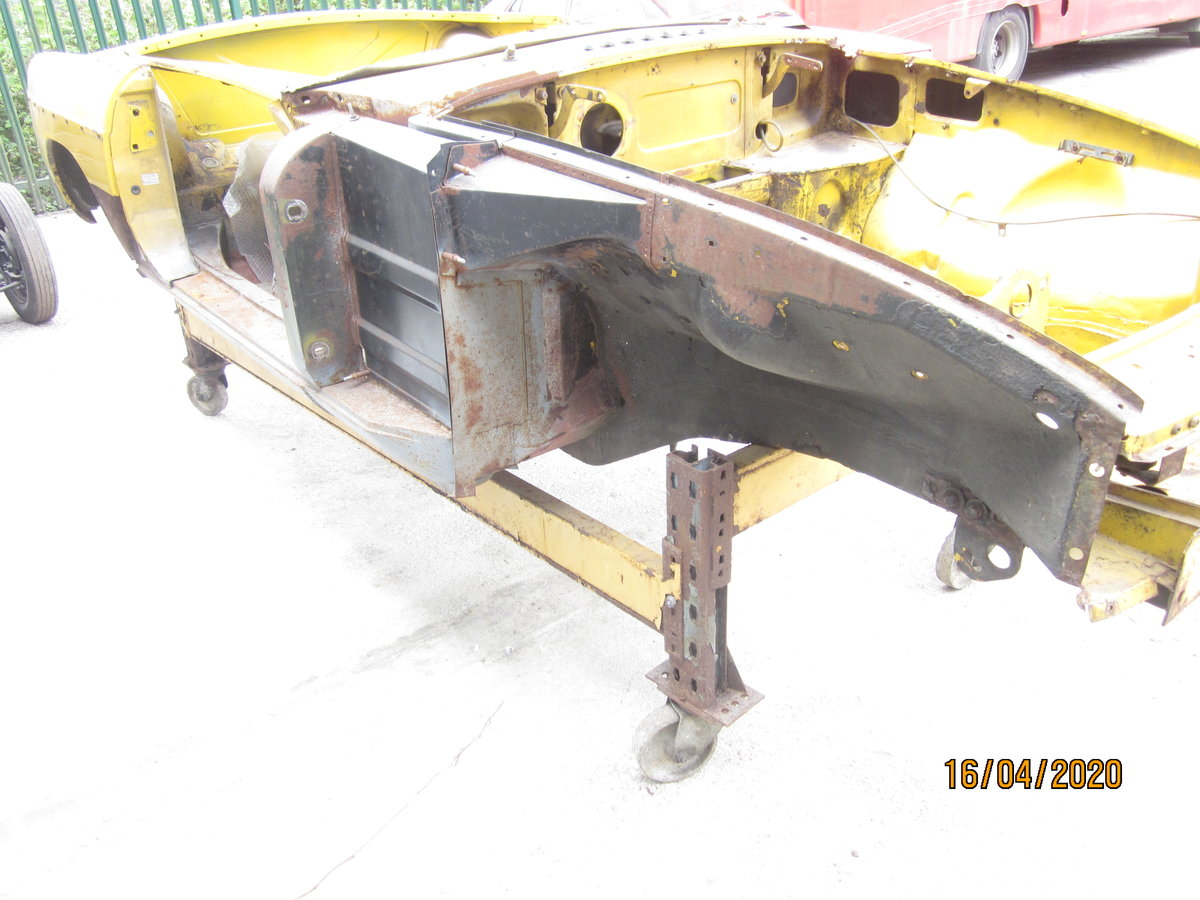 1978 MGB roadster Bodyshell For Sale (picture 2 of 6)