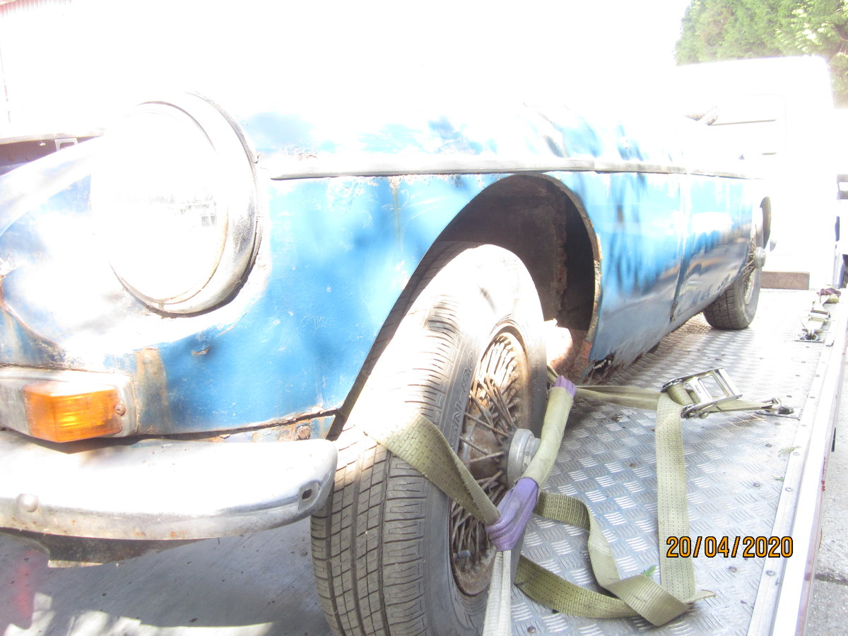 1969 MGB Roadster for Restoration with V5 logbook  For Sale (picture 2 of 5)