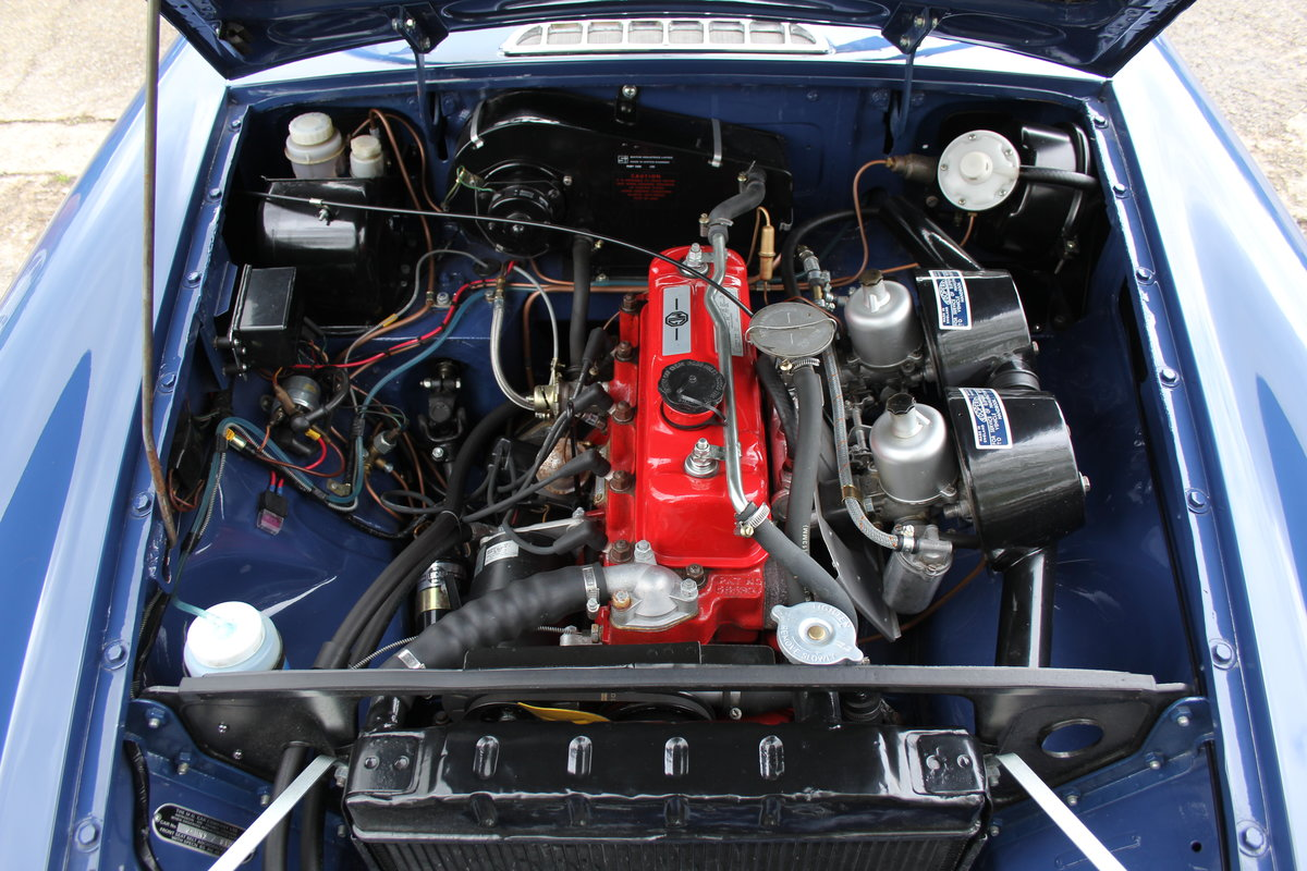 1966 MGB Roadster, show standard, original colours, UK car For Sale (picture 14 of 20)