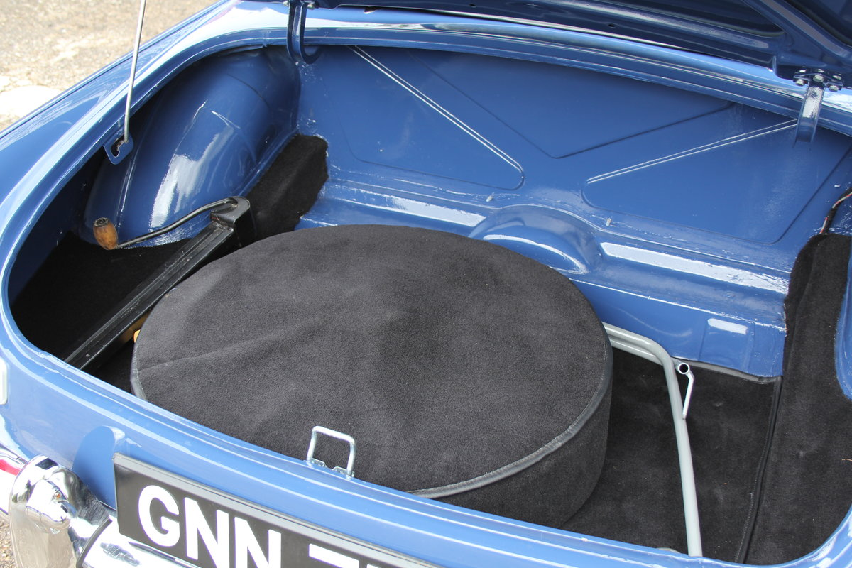 1966 MGB Roadster, show standard, original colours, UK car For Sale (picture 16 of 20)