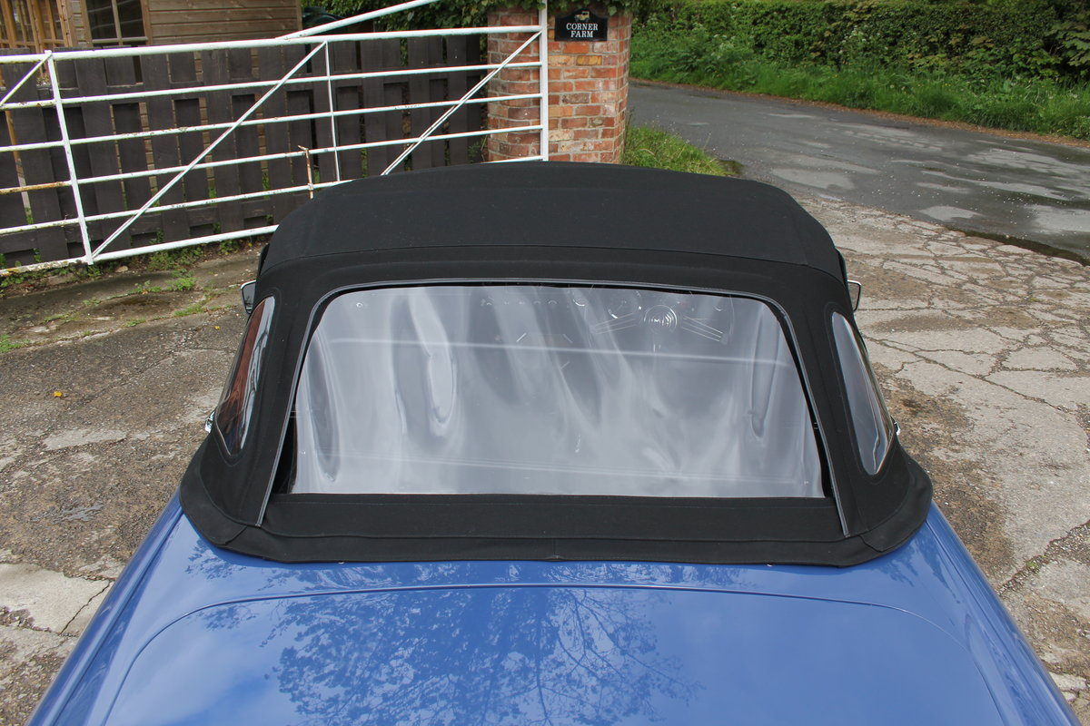 1966 MGB Roadster, show standard, original colours, UK car For Sale (picture 19 of 20)