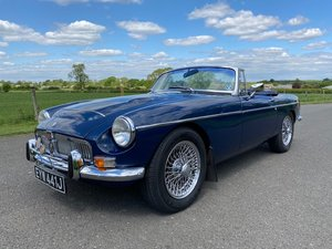 Picture of 1971 MGC Roadster Manual with overdrive SOLD