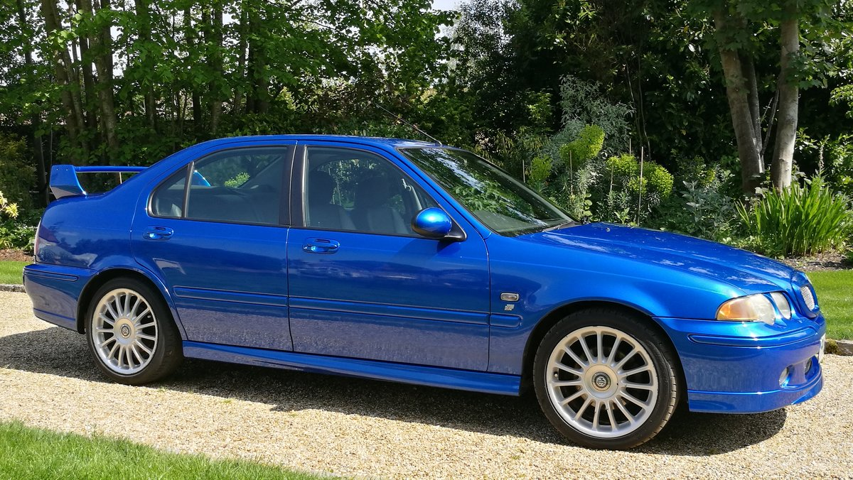 2002 MG ZS180 2.5 V6 Manual Saloon in Trophy Blue. Mint For Sale (picture 2 of 6)