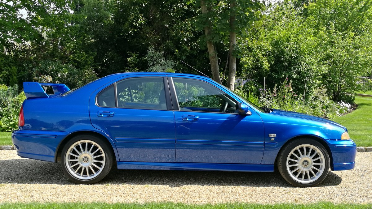 2002 MG ZS180 2.5 V6 Manual Saloon in Trophy Blue. Mint For Sale (picture 3 of 6)