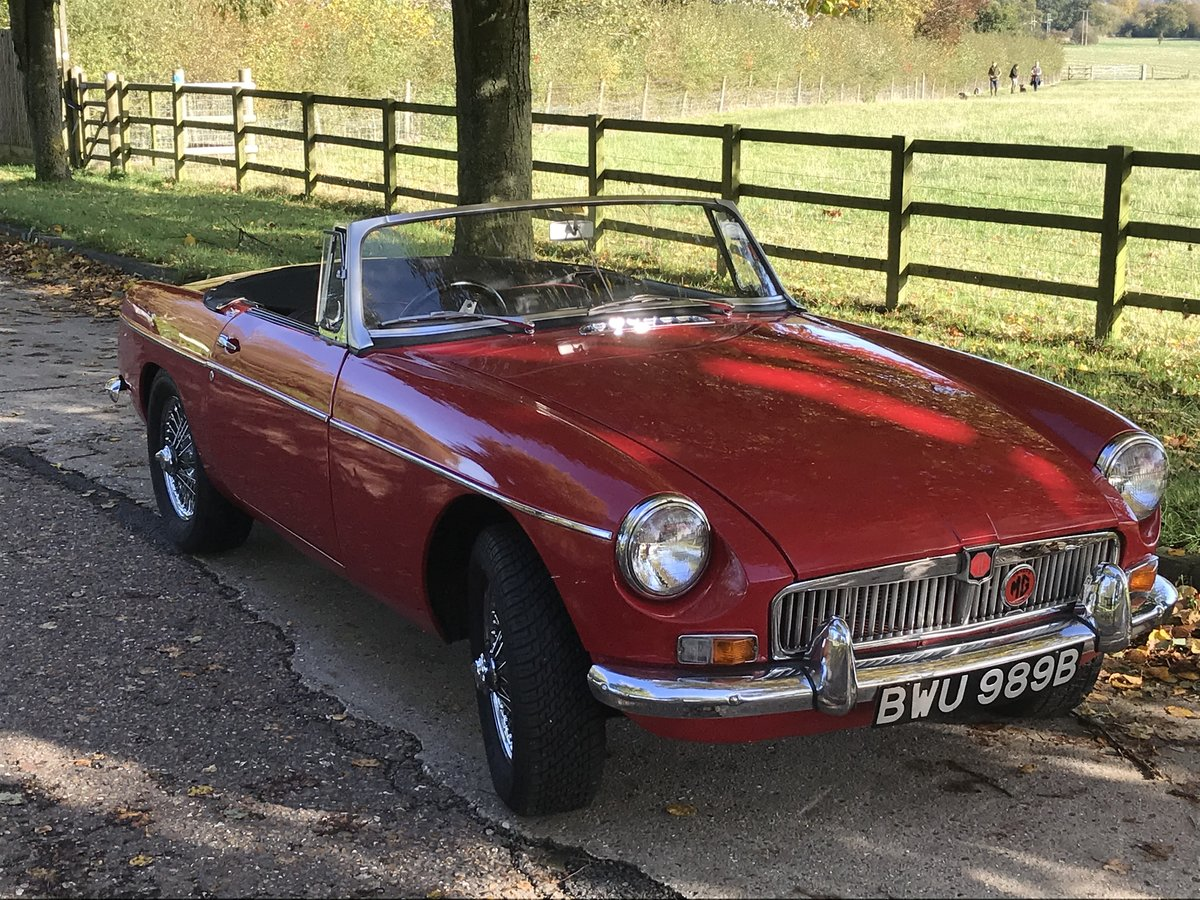 1964 Mk1 MGB Roadster in tartan red For Sale (picture 1 of 6)