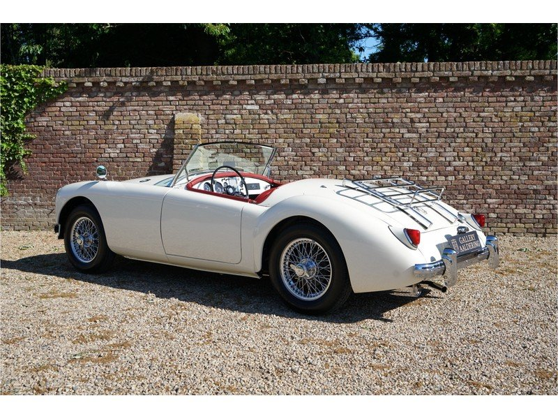 1957 MG A Roadster Beautifully and recently restored For Sale (picture 2 of 6)