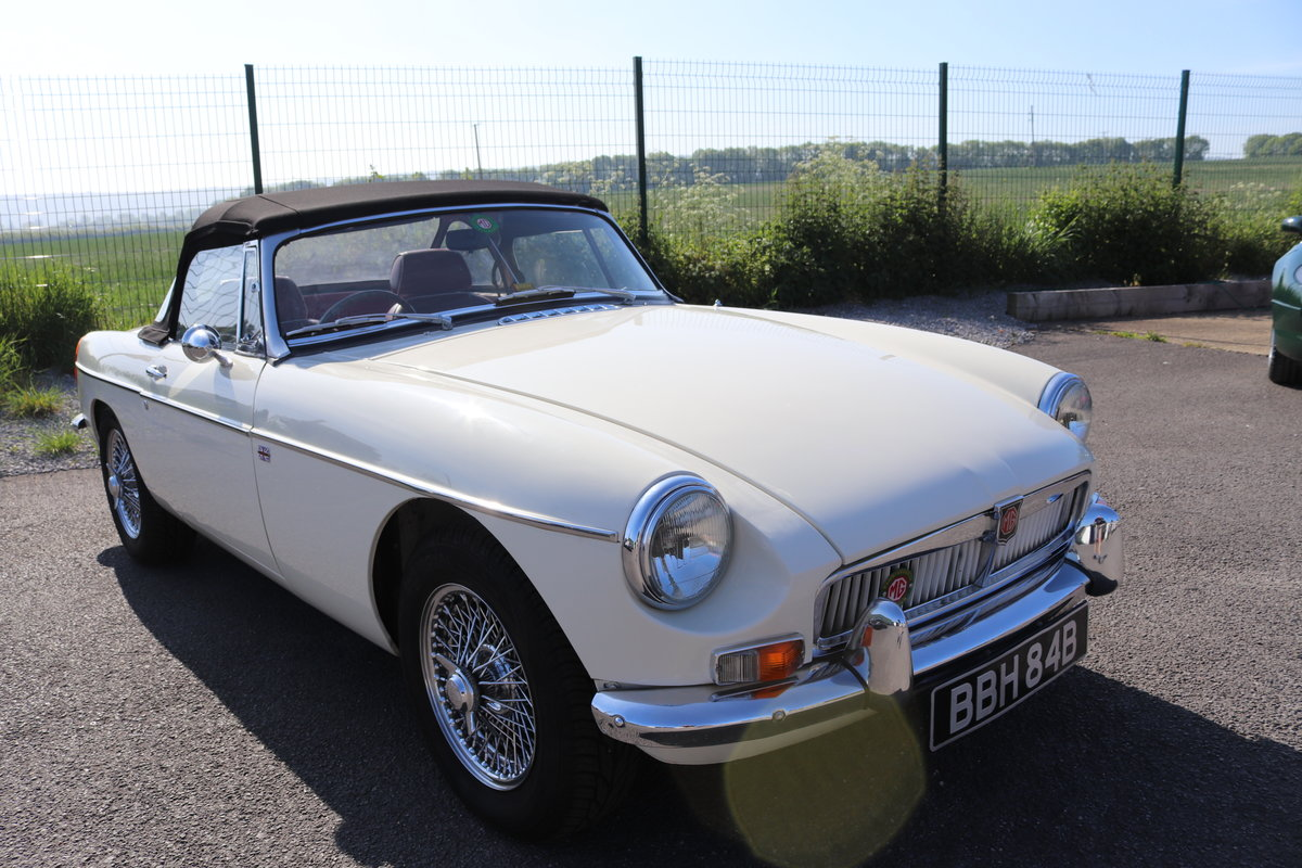 1964 MGB Roadster MK1, Heritage shell,Show standard For Sale (picture 1 of 5)