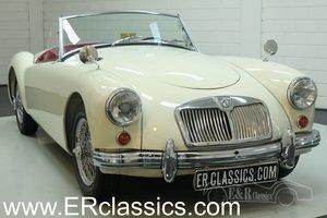 MGA Cabriolet 1959 Old English White