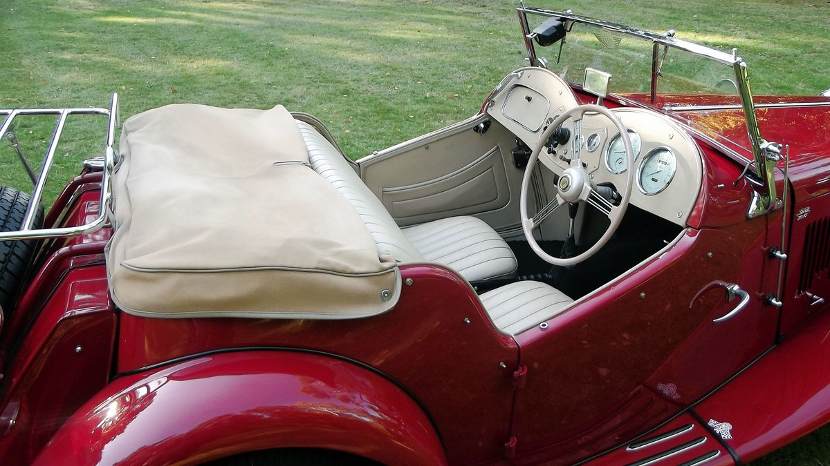 1952 MGTD 1250 SPORTS CONVERTIBLE TOURER SOLD (picture 4 of 6)