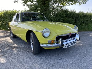 MGB GT Citron Yellow