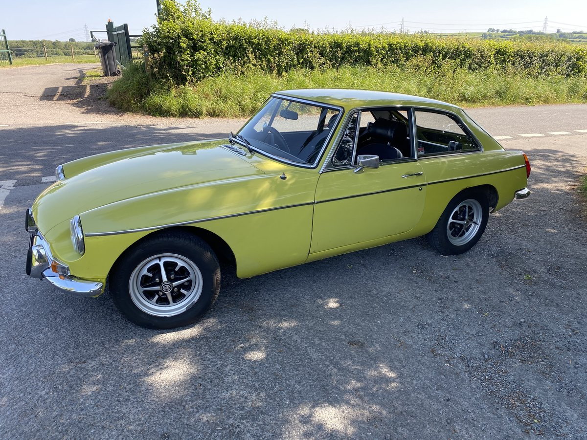1974 MGB GT Citron Yellow  SOLD (picture 2 of 6)