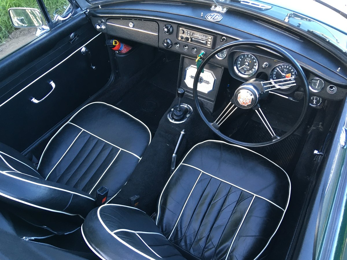 1966 MGB Roadster with overdrive SOLD (picture 2 of 6)