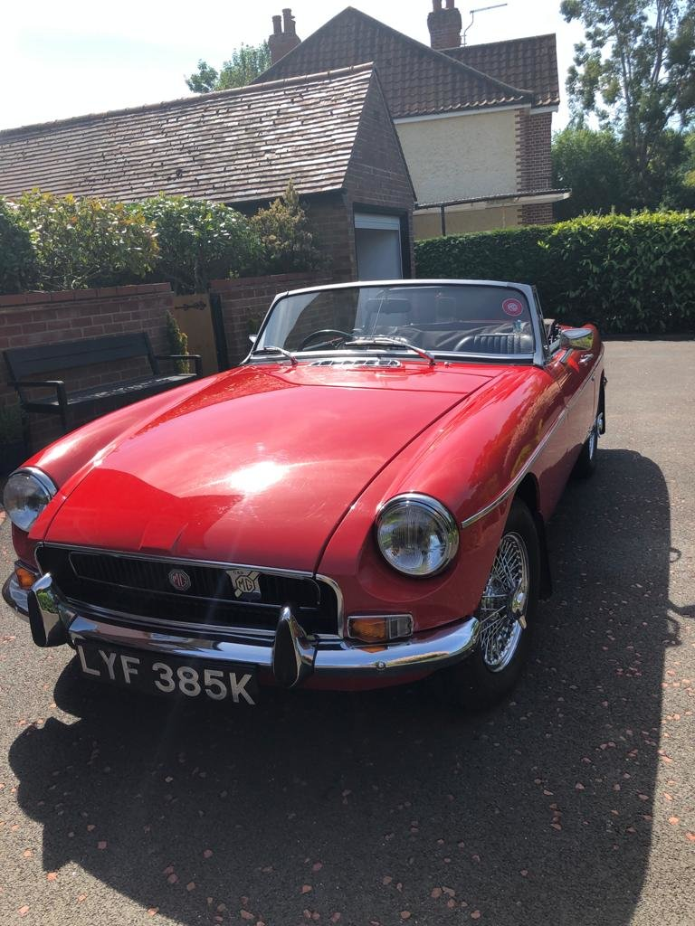 1972 MGB roadster SOLD (picture 2 of 6)
