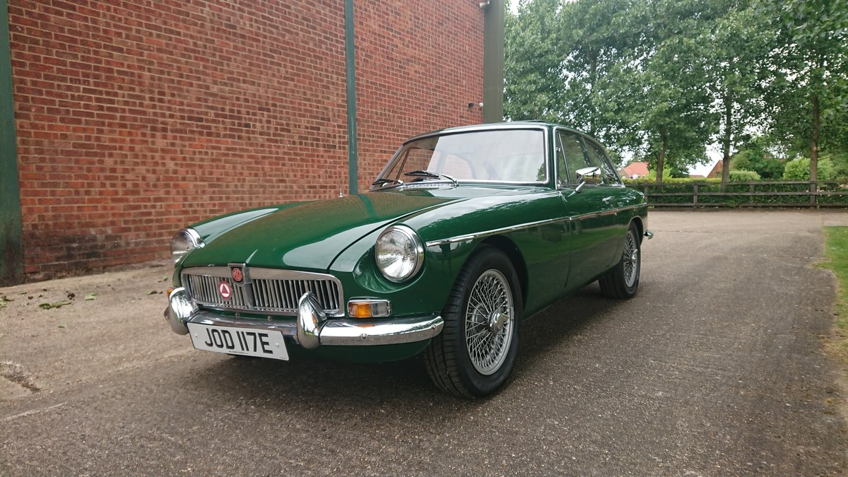 1967 MG B GT Beautiful Classic with history For Sale (picture 2 of 6)