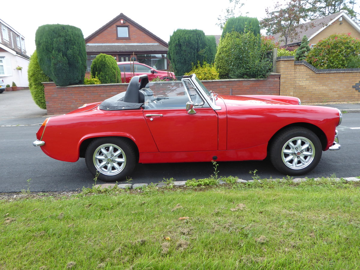 1977 Stunning Looking MG Midget 1500 SOLD (picture 1 of 6)