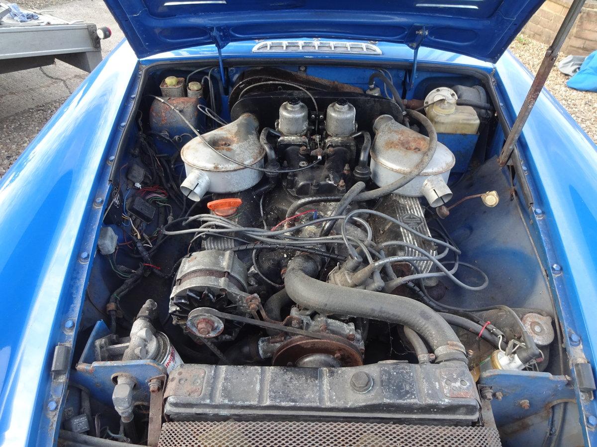 1976 Original Factory built MGB GT V8 For Sale (picture 5 of 6)