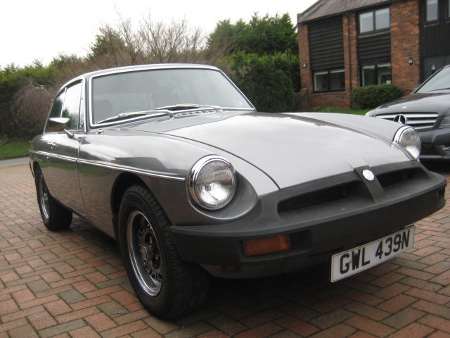 1975 MGB GT V8 SOLD (picture 2 of 6)