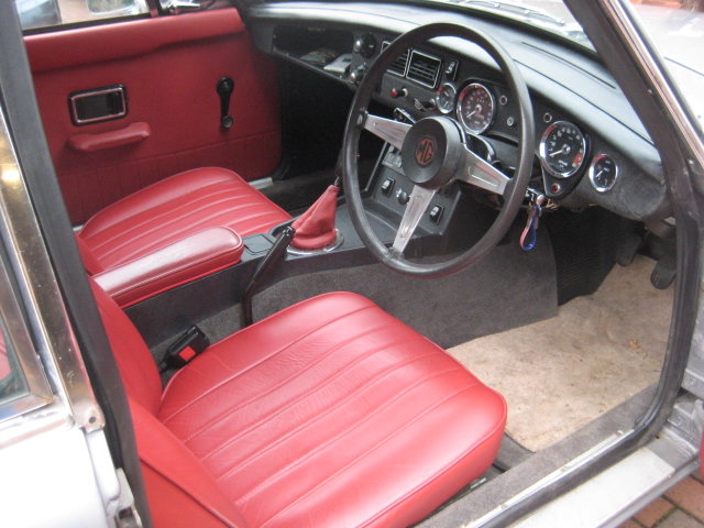 1975 MGB GT V8 For Sale (picture 4 of 6)