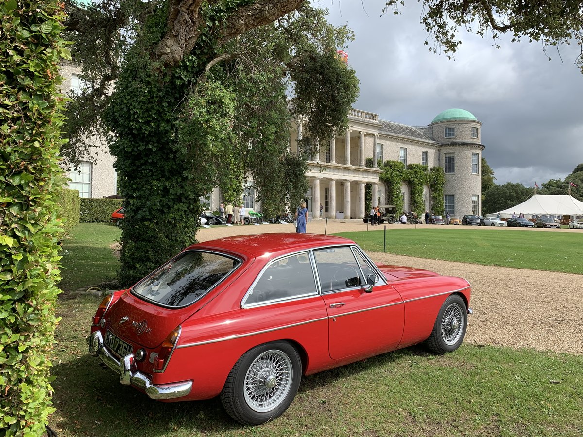 1969 Immaculate MGC GT - one of the best Available For Sale (picture 5 of 6)