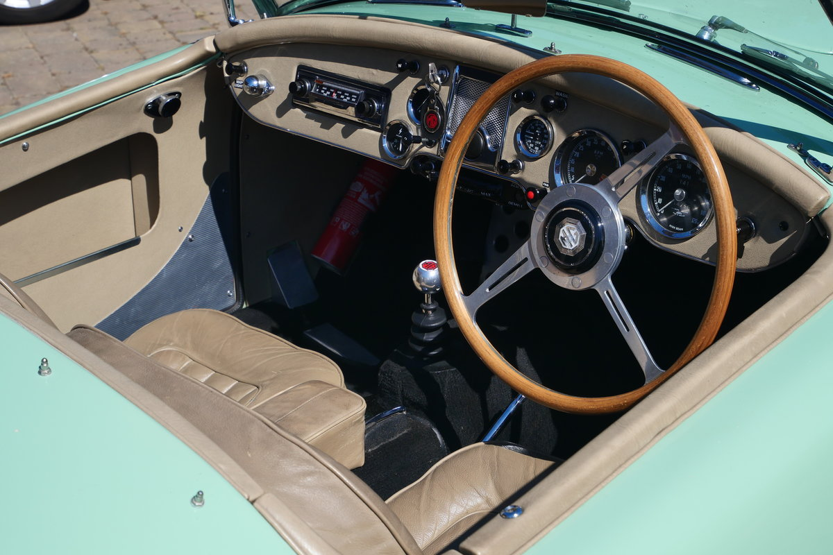 1958 MGA Fully documented restoration. For Sale (picture 2 of 5)
