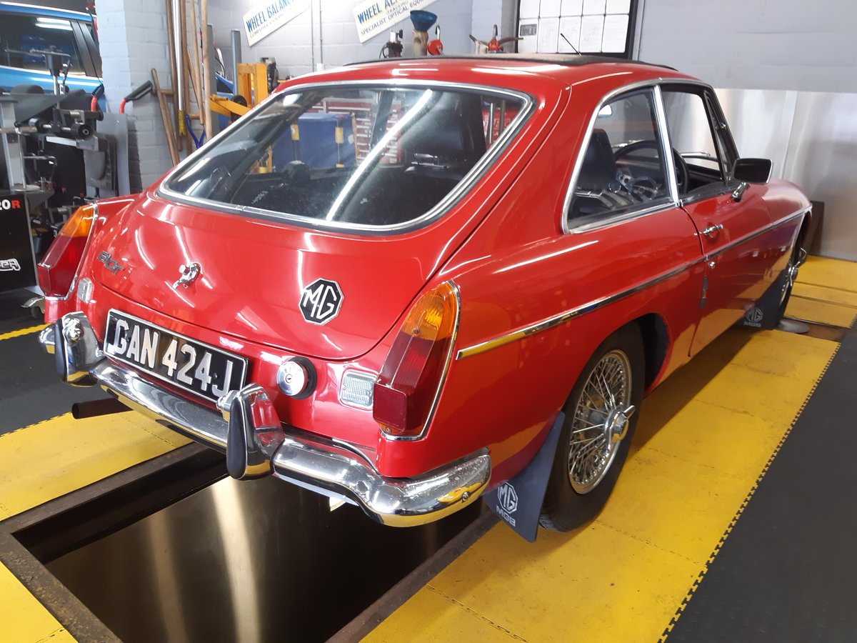 1971 MGB GT CHROME BUMPER SOLD (picture 1 of 6)