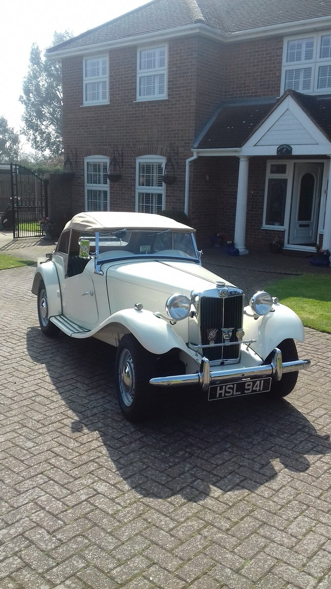 1952 MG TD in old English Wite For Sale (picture 1 of 6)
