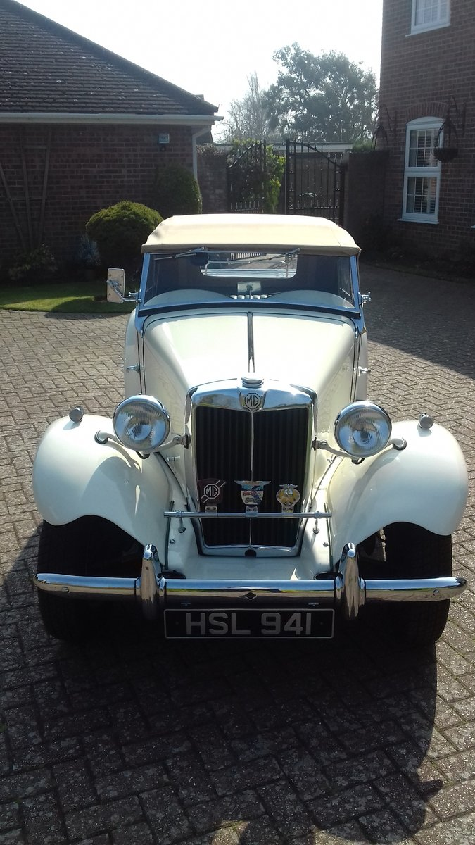 1952 MG TD in old English Wite For Sale (picture 2 of 6)