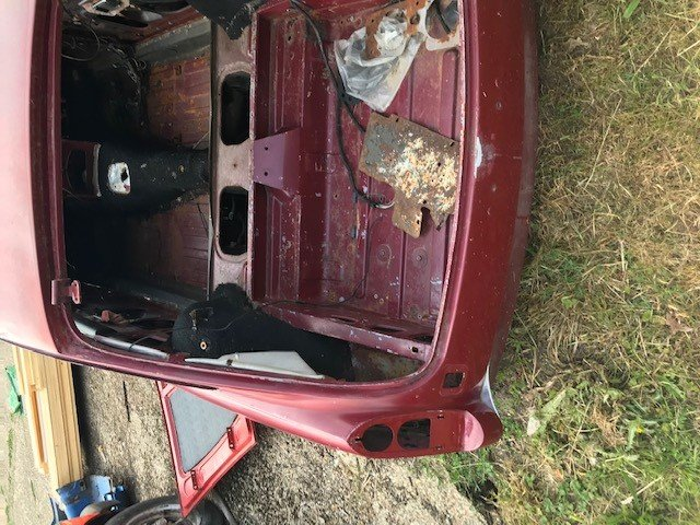1973 MGB V8 BODY SHELL, GENUINE V5 AND HERITAGE CERT For Sale by Auction (picture 5 of 6)