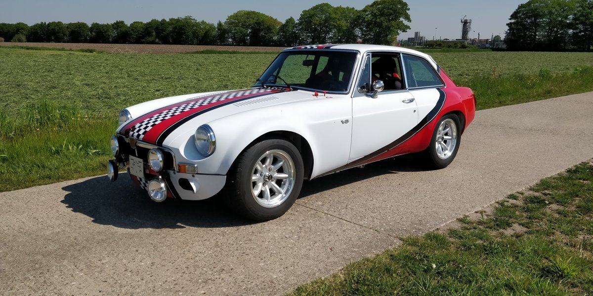 1975 MG B GT V8  For Sale (picture 1 of 6)