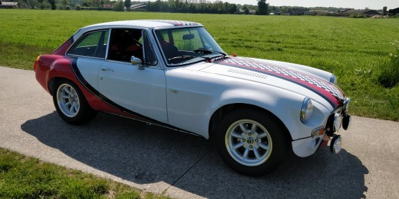 1975 MG B GT V8  For Sale (picture 2 of 6)