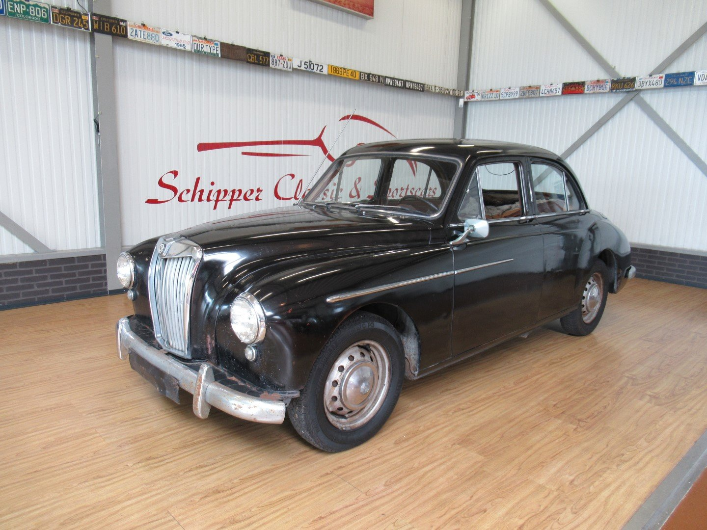 1956 MG Magnette ZB LHD for restauration For Sale (picture 1 of 6)
