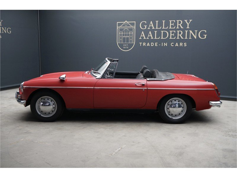 1968 MG B Roadster Swiss car, good overal condition For Sale (picture 2 of 6)