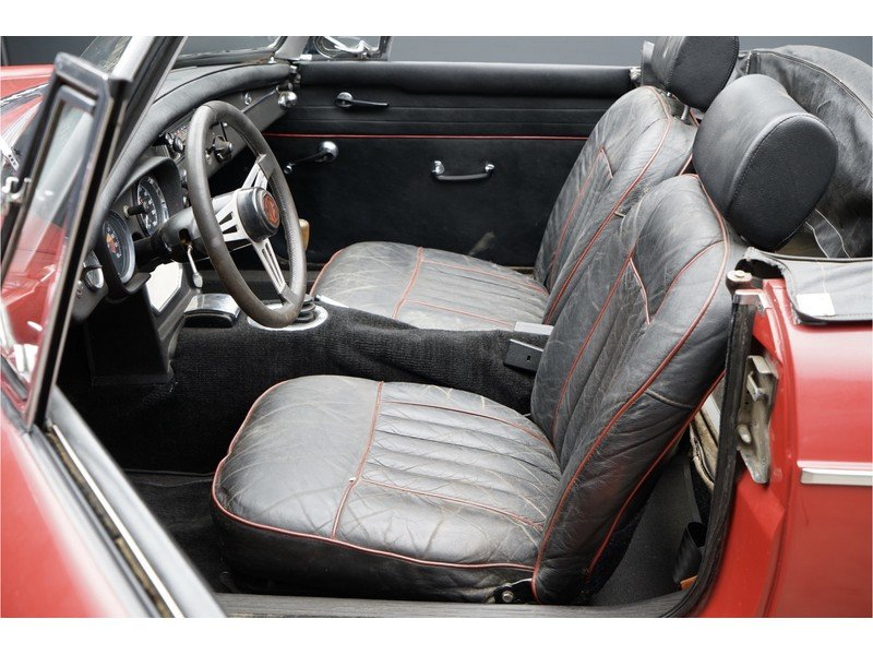 1968 MG B Roadster Swiss car, good overal condition For Sale (picture 3 of 6)
